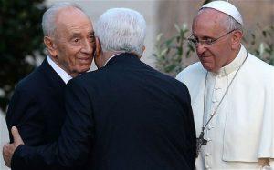 Peres-Abbas-kiss_2935283b