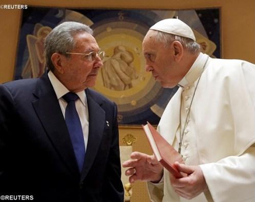 Paus dan Presiden Raul Castro