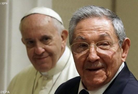 Raul Castro dan Paus Fransiskus