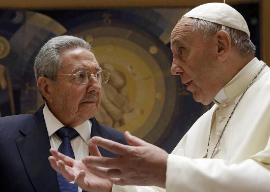 472838352-pope-francis-talks-with-cuban-president-raul-castro.jpg.CROP.promo-xlarge2