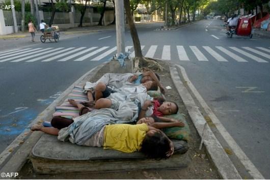 anak-anak jalanan di Manila