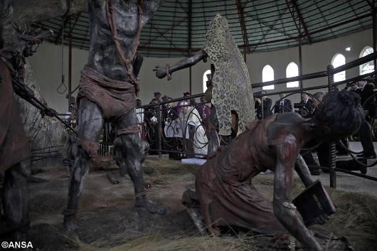 Paus berdoa di tempat ziarah para martir Uganda