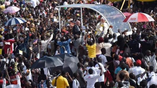 Paus di Uganda1