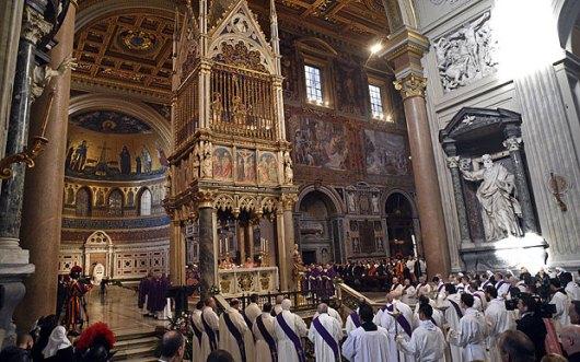Misa di Basilika Yohanes Lateran