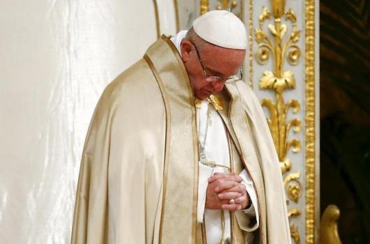 Paus berdoa dalam doa malam persatuan umat Kristen