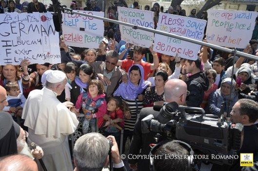 Paus dan Pengungsi Lesbos (2)