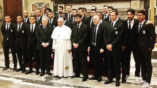 Paus menerima Yuventus dan AC Milan2
