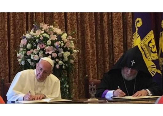 Paus Fransiskus dan Catholicos Karekin II 4