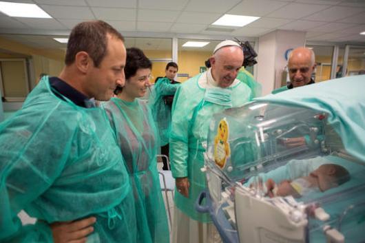 paus-kunjungi-rumah-sakit2