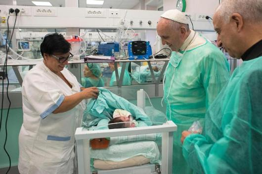 paus-kunjungi-rumah-sakit3