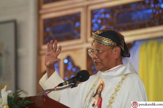 Mgr Julianus Kema Sunarka SJ - penakatolik.com