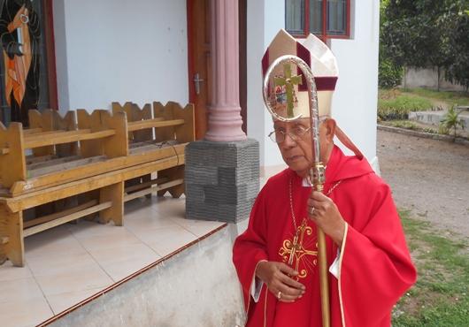 uskup-maumere-saat-kaul-asp