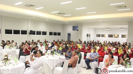 Para peserta dan undangan HUT ke-5 Paroki Alam Sutera