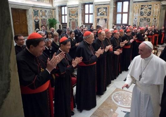 Paus menerima anggota Kongregasi Pendidikan Katolik
