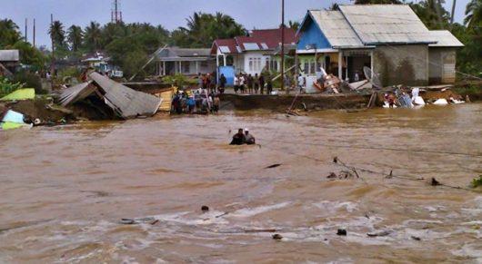 Suasana banjir di Bitung diambil dari infonawacita