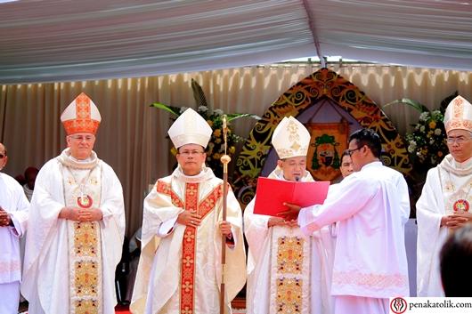 Saudara-saudara terkasih, Keuskupan Sintang kini mempunyai seoang Uskup baru ... Foto pcp/PEN@ Katolik