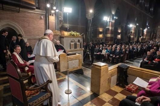 Paus di Gereja Anglikan1