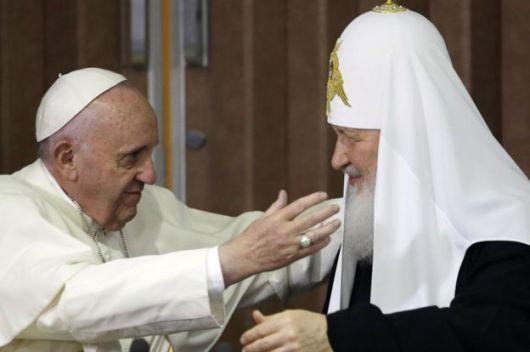 Pertemuan bersejarah dalam Gereja antara Paus Fransiskus dan Patriark Kirill di Kuba, Februari 2016