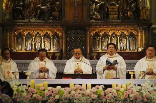 Misa Hari Komsos ke-51 di Katedral Jakarta. Foto dari web KAJ