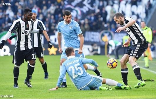Una partita tra Juventus e Lazio - ANSA