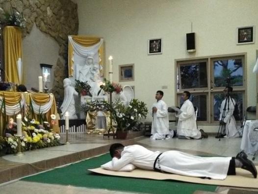 Frater Albertus Arif SMM ketika menerima Kaul Kekal. Selasa, 15 Agustus 2017 (6)