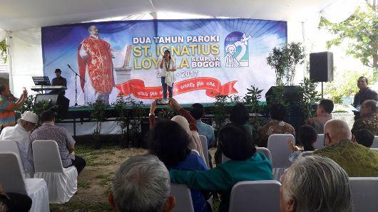 Lisa A Riyanto mempersembahkan sejumlah lagu