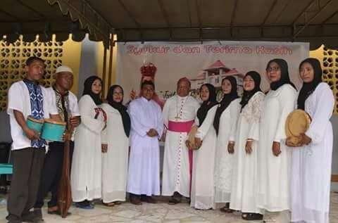Uskup Kopong Kung dan Qasidah