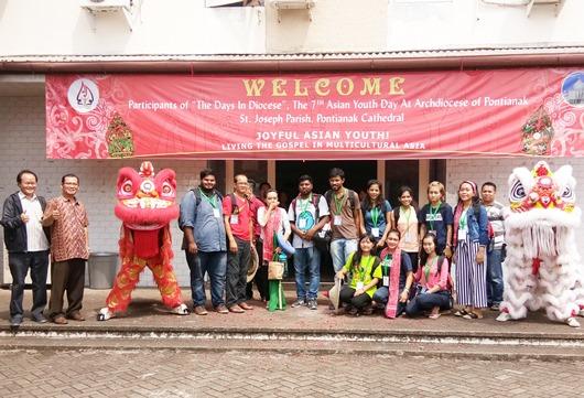 delegasi India dan myanmar disambut dengan barongsai OK