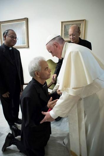 Fr Tom dan Paus 6