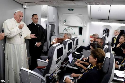 Paus Kolombia1