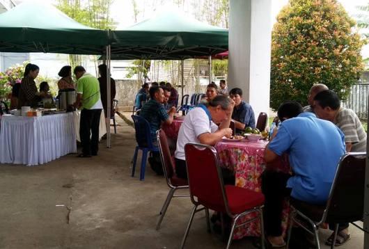 Open House, makan bersama