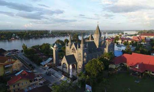 Katedral Sintang12