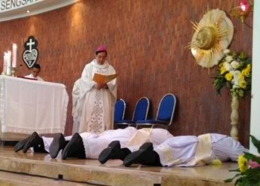 Misa 3 Diakon CP menjadi Imam di Bandulan Barat, Malang- Sabtu 28- 10- 2017 Uskup Pidyarto (37)