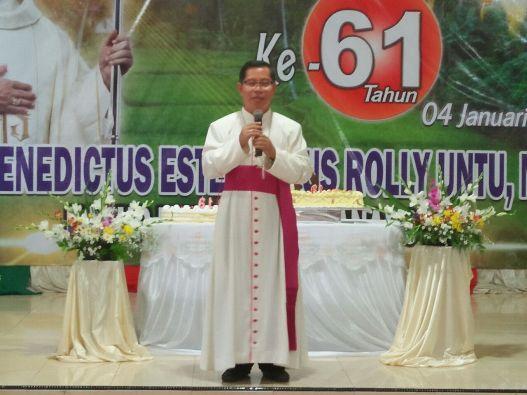 HUT Uskup Rolly1
