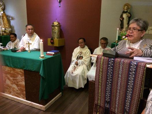 Belen Tangco OP membacakan Surat Peresmian yang dikeluarkan oleh Provinsial Ordo Pewarta (Dominikan) Provinsi Filipina Pastor Napoleon B Sipalay Jr OP