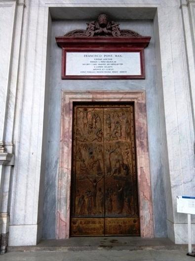 Pintu Suci Basilika Santo Paulus di Luar Tembok. PEN@ Katolik/pcp
