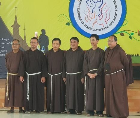 Dari kiri ke kanan: Pastor Josep Yuwono OFMCap, Pastor Adrianus Derry OFMCap, Pastor Victorius Dwiardy OFMCap, Pastor Hermanus Mayong OFMCap, dan Pastor Iosephus Erwin, OFMCap