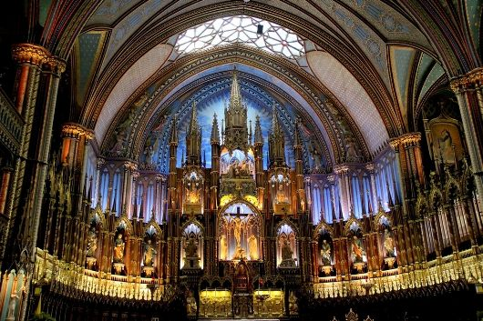 Basilika Notre Dame oleh Michelle Enemark