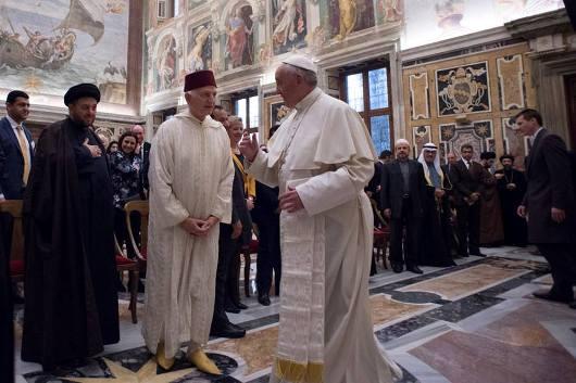 Paus dengan peserta Konferensi Mengatasi kekerasan yang dilakukan atas nama agama2