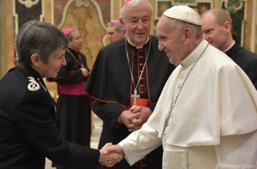 Paus bertemu anggota-anggota Santa Marta Group (Vatican Media)