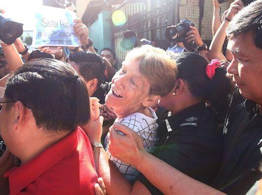 Suster Patricia Fox ditahan. Foto Philippine Star