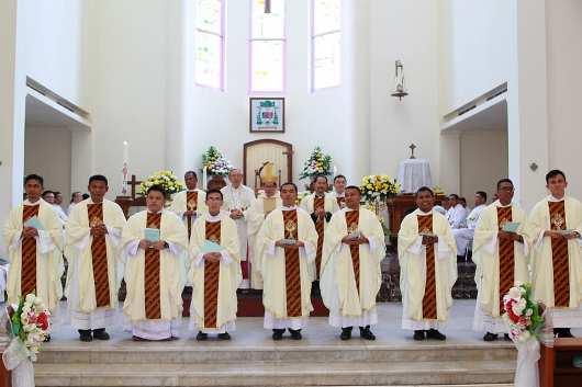 Tahbisan 9 Imam MSC di Manado1