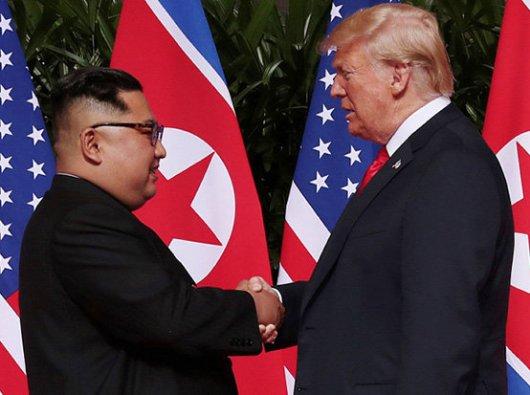 Pertemuan Kim Jong-un dan Donald Trump di Singapura/Daily Star