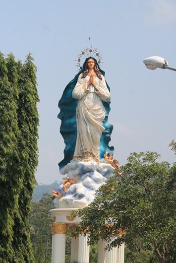 Foto Patung Maria Assumpta GMKA oleh Paul C Pati (1)