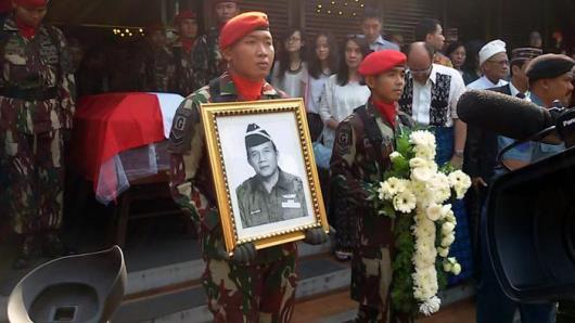 pelepasan-jenazah-secara-militer-aloysius-benedictus-mboi Tribunnews Valdy Arief