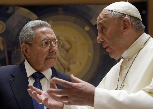 472838352-pope-francis-talks-with-cuban-president-raul-castro.jpg.CROP.promo-xlarge2