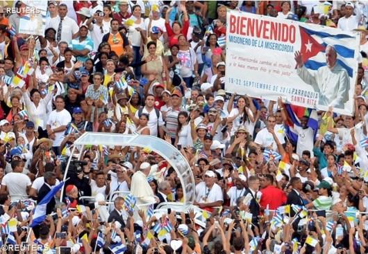 Paus di Lapangan Revolusi Havana foto Reuters