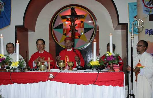 00. 0. Penerimaan Sakramen Krisma dan Lustrum I Paroki 1 Okt 2015