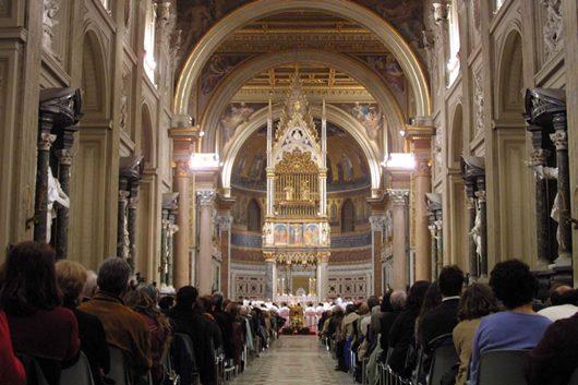 laici-in-basilica-lateranense