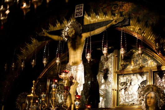 Cross_in_Church_of_the_Holy_Sepulchre-740x493